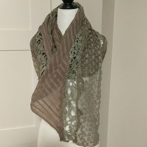 Accessories - 3/$25 Draping scarf, earth tones